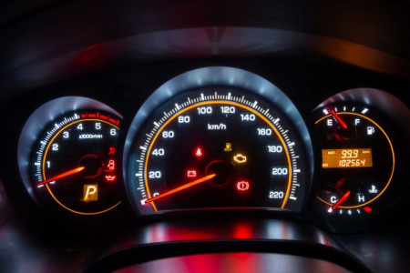 10 Dashboard Lights You Don't Want to Ignore