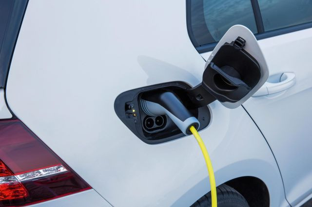 Top 10 Electric Vehicles With The Longest Range