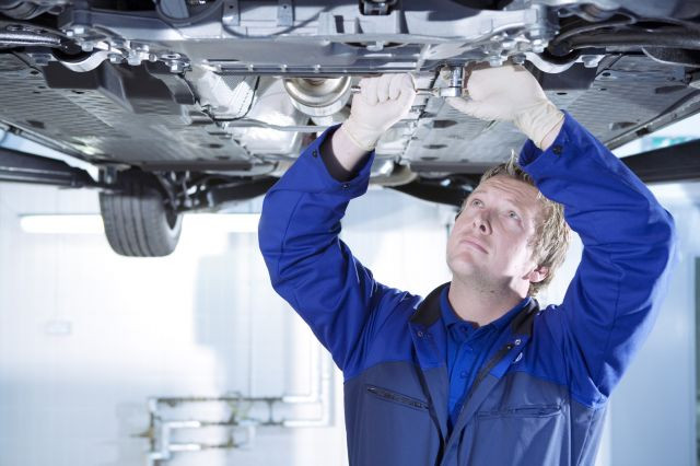 Mechanic Labour Rate Varies £97 Per-Hour In UK
