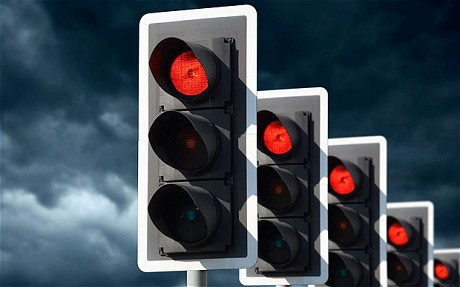 Traffic Light Switch-Off Explained As Experts Take Opposing Views