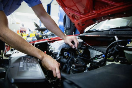 Difference Between MOT And Servicing