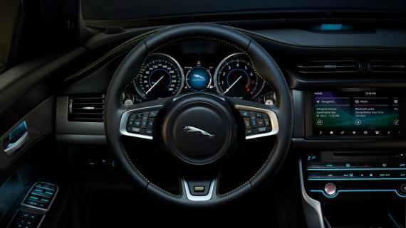 Jaguar XF Sportbrake 2018 Review