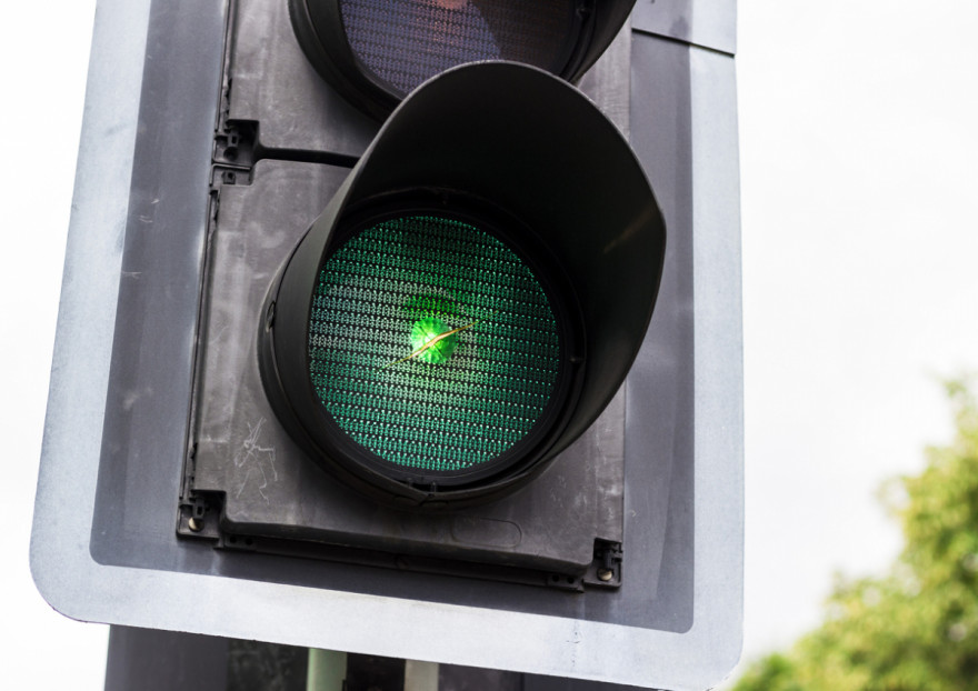 Always Get to Traffic Lights on Green via New System Tested in UK