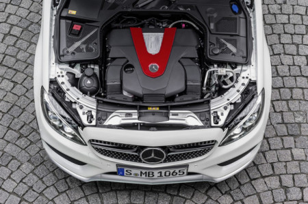 Mercedes-Benz Express Service Gets You Back on the Road in 1 Hour