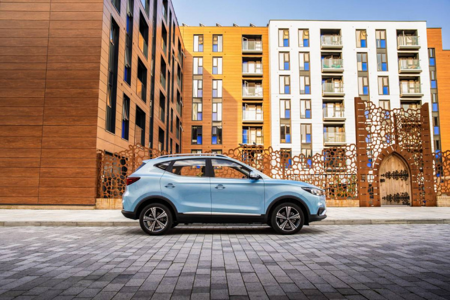 MG Donate a Fleet of 100 ZS EV's to NHS Staff