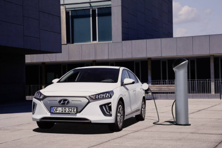 Hyundai Ioniq Electric 2020 Review
