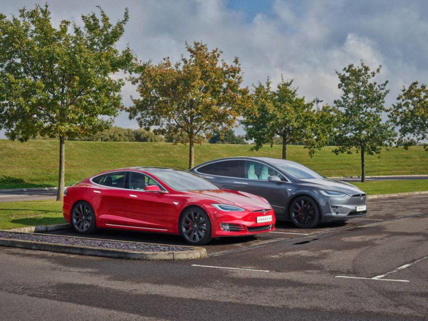 New Fully Autonomous Tesla For Only £20,000 By 2023?