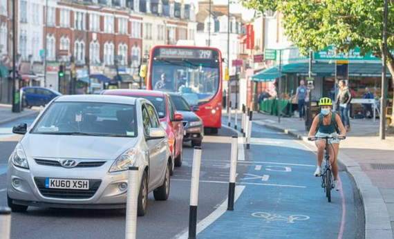New Traffic Light System Favours Cyclists & Penalises Drivers Image