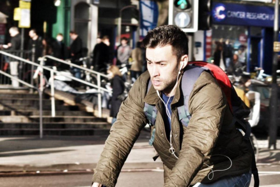 Driver Legal Fears: Stop Cyclists Using Earphones Via Highway Code Image