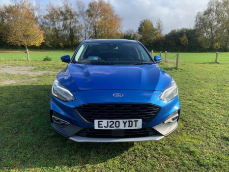 Ford Focus Active X Vignale Edition Hybrid 2020 Review