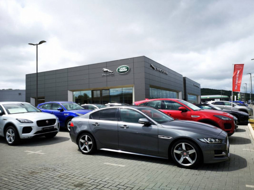 Nearly-New Cars More Affordable than Ever as Dealers Drop Prices