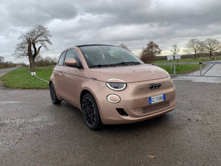 Fiat 500 Electric Cabriolet 2021 Review