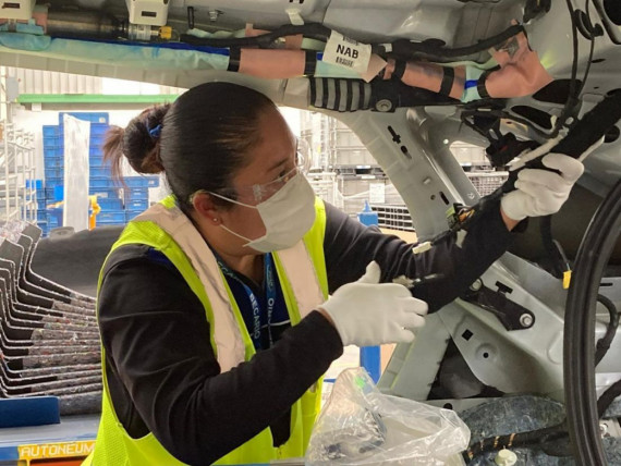 Women on the move in the motoring world Image