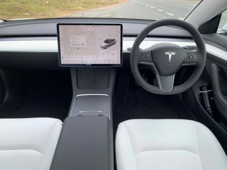Tesla ends production worries despite microchip shortage