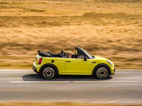 New MINI Convertible goes electric for 2025 Image