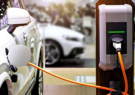 Electric vehicle owners urged to install updates