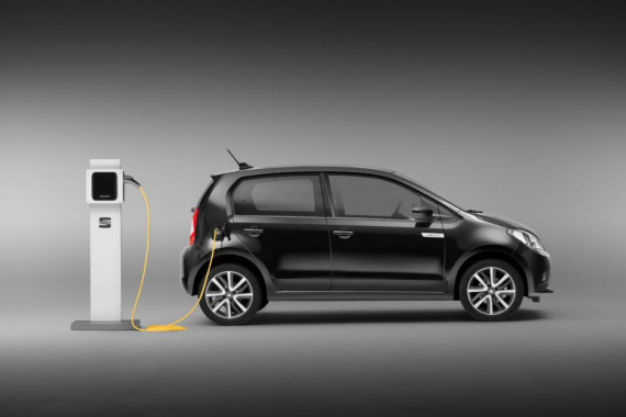 How much does it cost to charge an electric car? Image