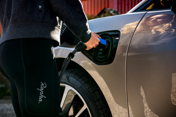 The cost of running an electric car vs a petrol car Image