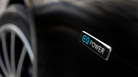 Do all hybrid cars need to be charged?