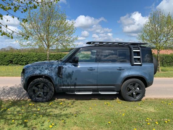 Land Rover Defender 110 Hard Top