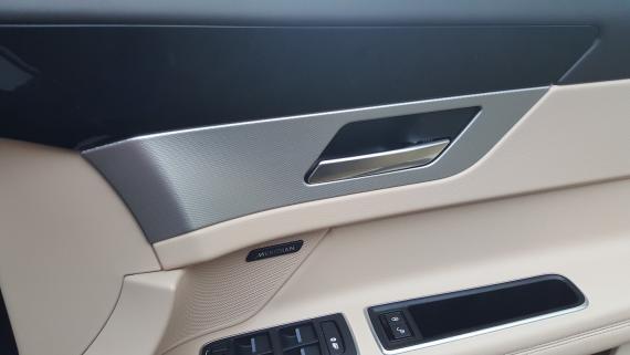 Jaguar XF 2018 Review